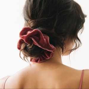 Accessories - Velvet hair scrunchies 2 piece
